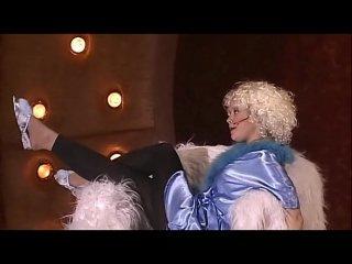 Клип Наталия Медведева - CW - Карьера секс-бомбы смотреть онлайн. Клип Под